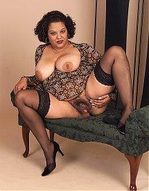 mature nude donne belle